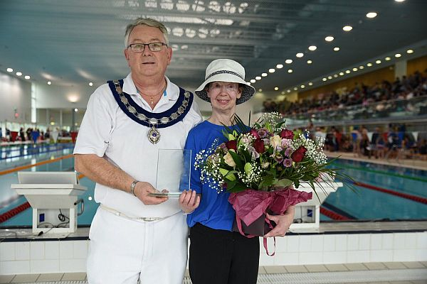 Swim England South West President Paul Robbins and Swim England Volunteer of the Year Karen Bown