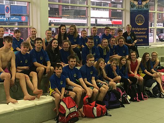 Bridgwater swimmers at the Cotswold Series 2018 A Final